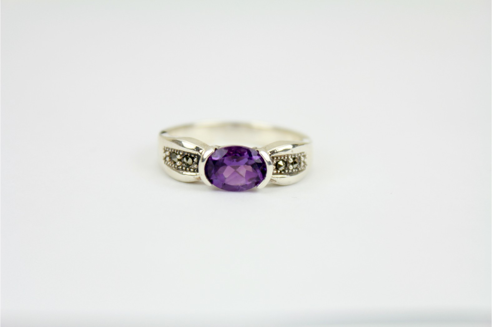 Wonderful Faceted Horizontal set Amethyst chunky style with Marcasite stones to shoulders size 9 or R