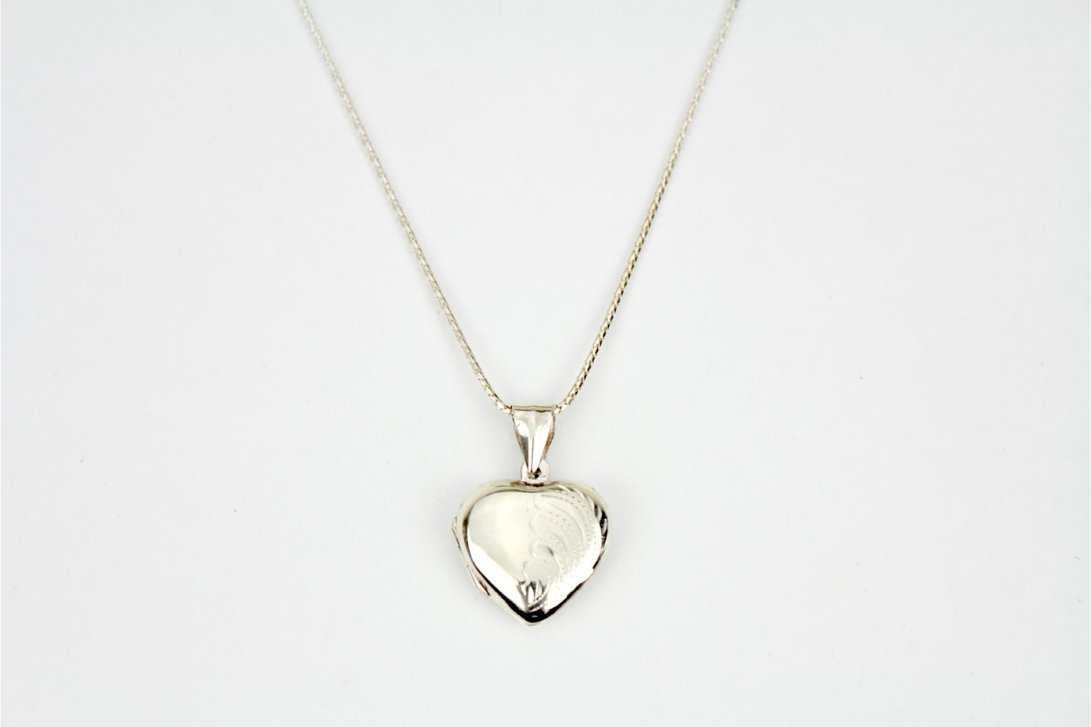 Polished Silver heart locket with etched design on 18ins 45cm popcorn chain
