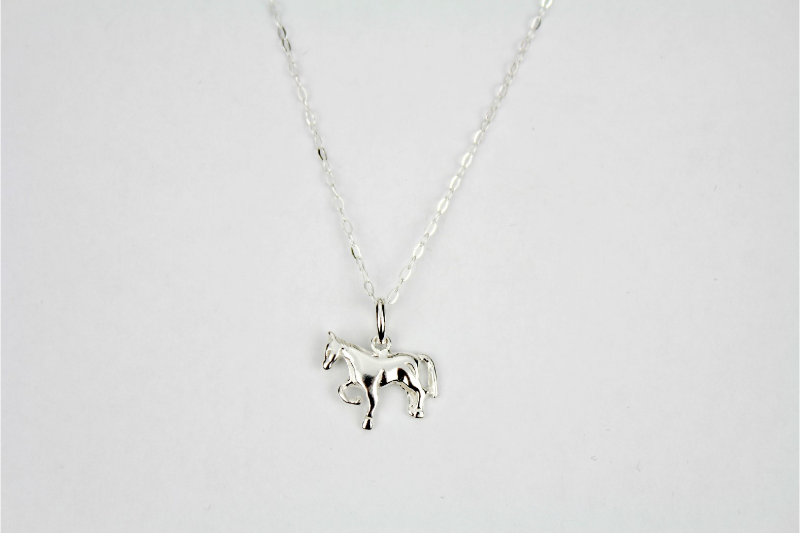Charm style polished silver horse on 18ins 45cm lightweight link chain