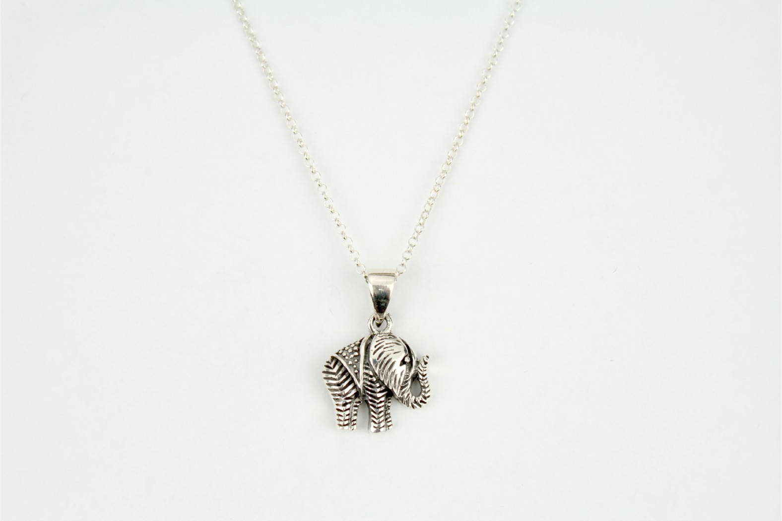 Etched patterned design silver Elephant on 18ins  45cm cable chain