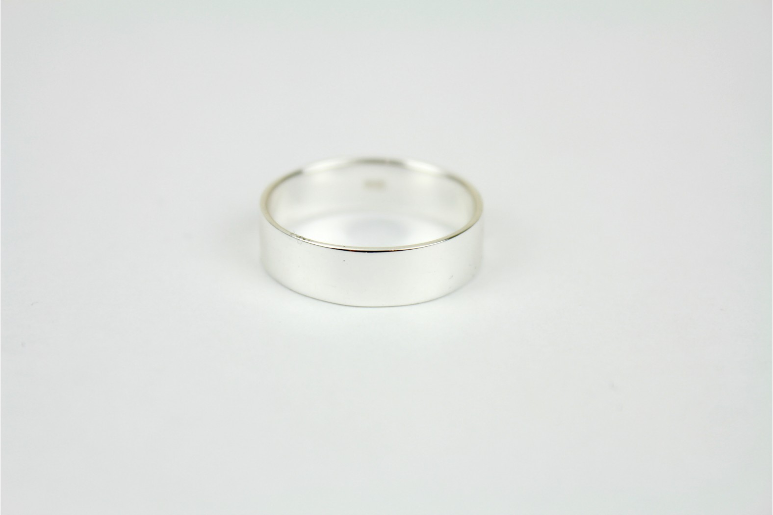 Polished silver chunky plain band style size 9 or R