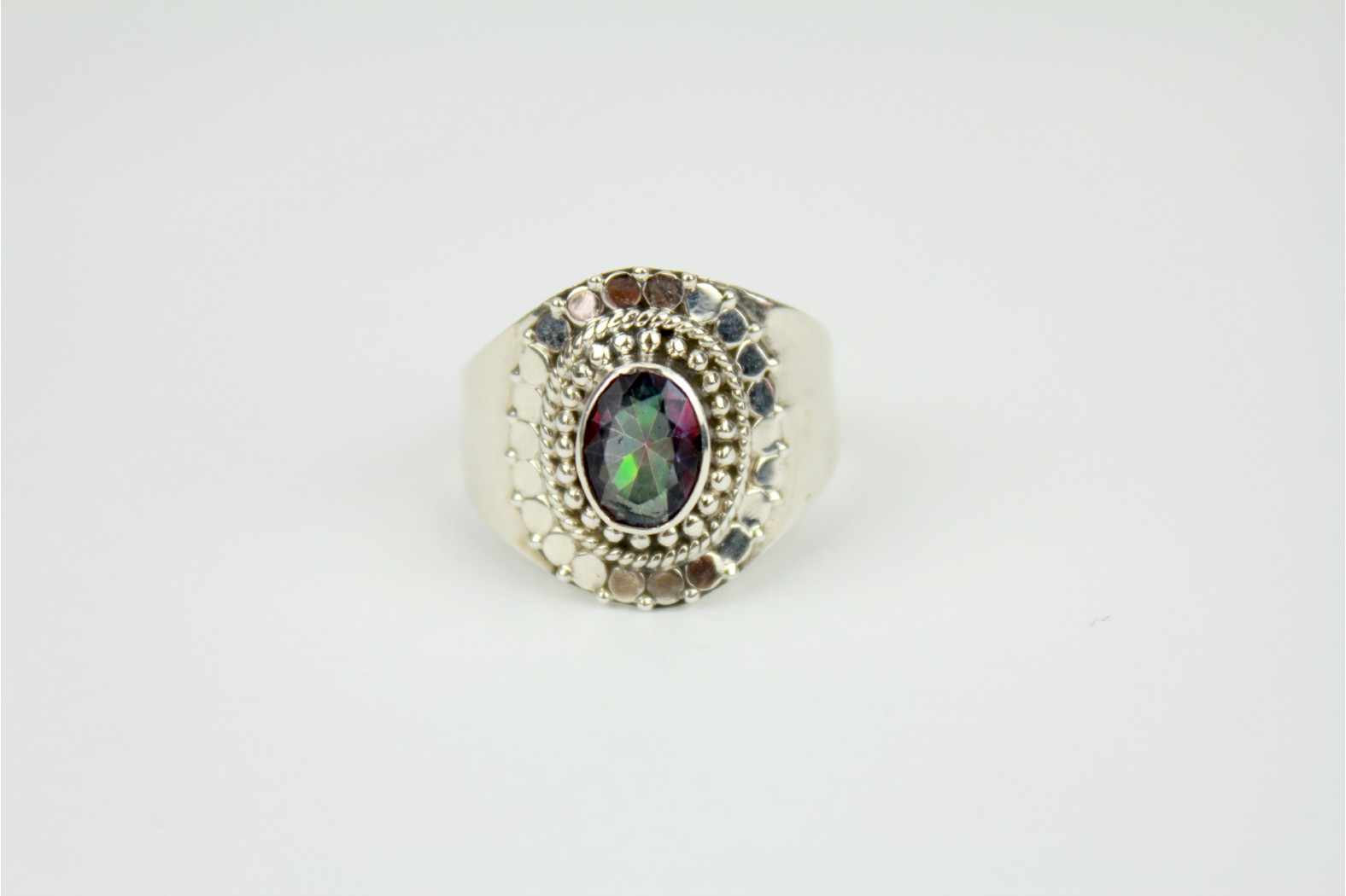 Chunky high polish Mystic Topaz silver set detailing size 10 or T