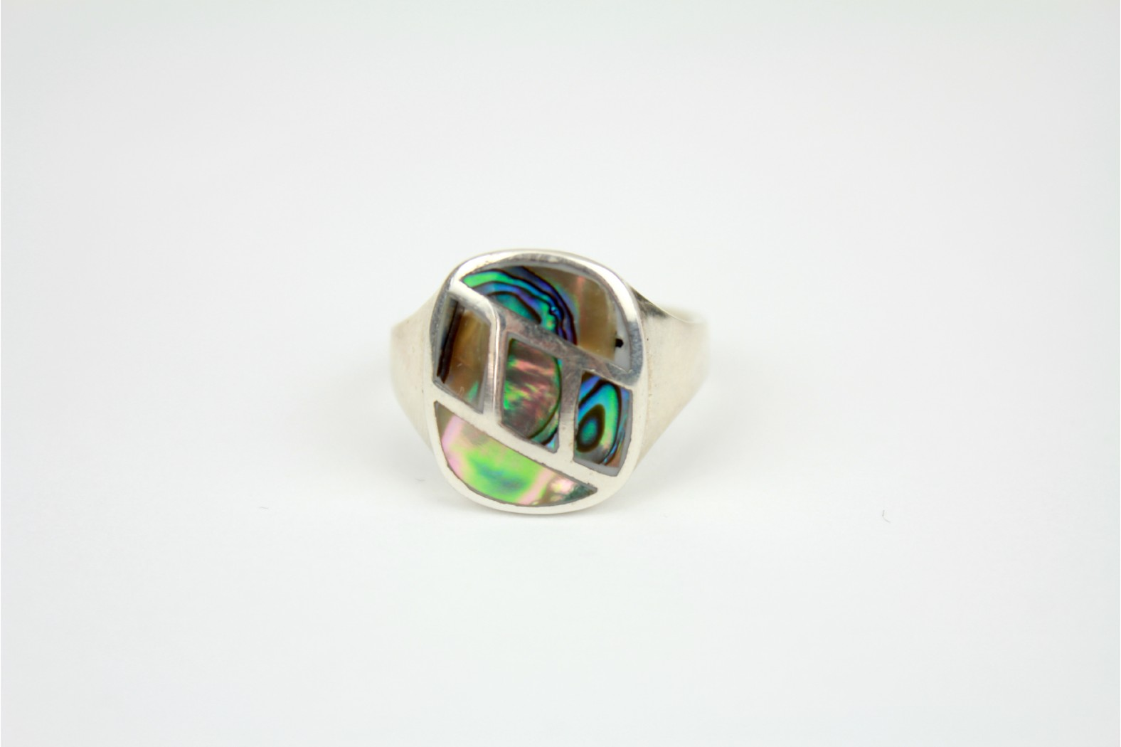 Oval Signet style heavy silver design with Abalone Shell overlay size 8 or P