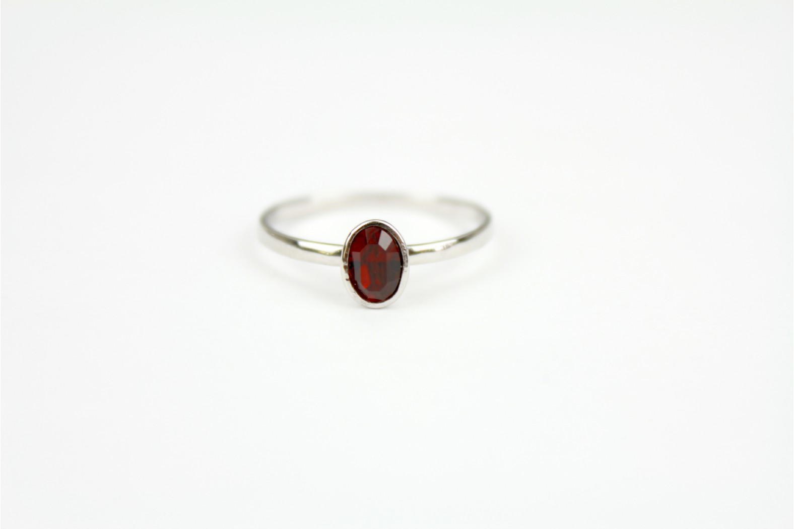 Ruby faceted Certifiable Swarovski Crystal Oval simple design size 7 or N